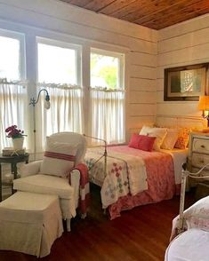 Modern farmhouse style combines the traditional with the new makes any space super cozy. Discover best rustic farmhouse bedroom decor ideas and design tips. 29 Creative Country Bedroom renovation ideas you should choose for your lifestyle Farmhouse Bedroom Decor, Cozy Bedroom, Trendy Bedroom, Bedroom Wall, Bedroom Ideas, Rustic Farmhouse, Farmhouse Style, Bedroom Designs, Master Bedroom