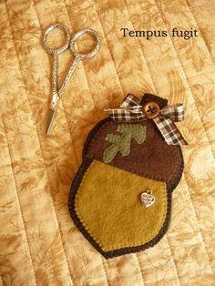 Wooden Spool Designs Plump wooly acorns The Pattern Hutch wool ...