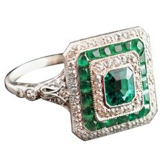EDWARDIAN Emerald & diamond cocktail ring