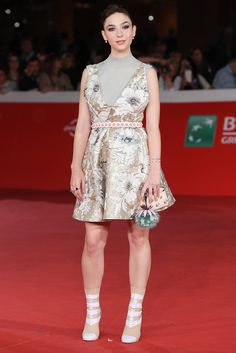 Italian Actress Matilda De Angelis poses on the red carpet at the premiere of Oliver Stone's new film Snowden in Fendi Spring/Summer 2017.