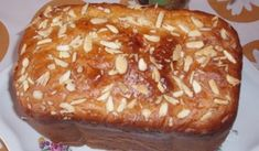 Jak upéct mazanec v domácí pekárně | recept Baked Potato, Sweet Recipes, Bread, Baking, Ethnic Recipes, Food, Baguette, Easter, Jar