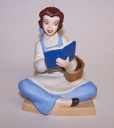 Walt Disney Classic Collection Bookish Beauty Belle Figurine 2005 #Figurine