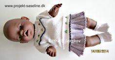 Baby born opskrifter 43 cm. Skoleuniform til dukken nederdel i plisse og bluse