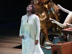 """Milano , 7Dec ,Teatro alla Scala- OTTO MINUTI di applausi e grande successo per la Giovanna d ´Arco di Giuseppe Verdi , """"Un´opera bellissima e monumentale ... superata la paura...molto Bella """""""