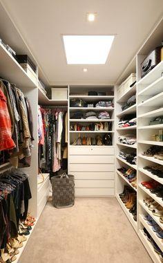 Neat Storage Idea Walk In Closet #closet #storage #decorhomeideas
