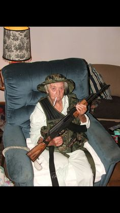 Caption Contest: GrandmAK from Guns and Ammo Mag Funny Profile Pictures, Funny Reaction Pictures, Random Pictures, Funny Images, Funny Photos, Image Hilarante, Caption Contest, Cursed Images, Stupid Memes