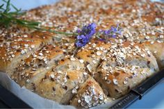 Rågbröd i långpanna Fika, Baking Recipes, Banana Bread, Pork, Victoria, Cooking, Desserts, Cooking Recipes, Kale Stir Fry