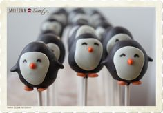 PENGUIN CAKE POPS: OMG! I just want to squeeze their little cheeks!