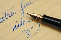 Beatiful antique Waverly fountain pen with the very vibrant Diamine Florida blue ink!