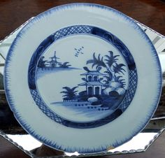 Antique English Delft : An attractive deep 18th century hand painted Plate