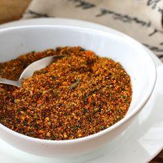 Shichimi Togarashi and Nanami Togarashi (Japanese 7 Spice Blend) - The Daring Gourmet Chilli Spice, 7 Spice, Homemade Spices, Homemade Seasonings, Zatar Recipes, Healthy Recipes, Asian Recipes, Spice Blends, Spice Mixes