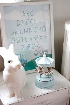 <3 That Rabbit Lamp