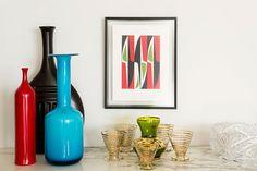 Decoração, decoração de apartamento, decoração para apartamento, decoração descolada, apartamento descolado, detalhes, detalhes da decoração, copos, quadro, obra de arte, arte.