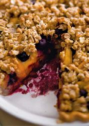 PEACH BLUEBERRY PIE: This recipe is what would happen if peach pie and blueberry crisp collided   #peach #blueberry #pie