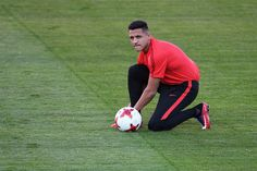"""Alexis Sanchez expressed his desire to """" win all the trophies"""" and revealed his long-held ambition to play for Manchester United after finally sealing his move to Old Trafford from Arsenal . Messi And Ronaldo, Cristiano Ronaldo, Alexis Sanchez, Manchester United Transfer, Old Trafford, Soccer Players, Fifa, Chile, Russia"""