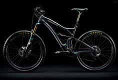 """Le tout nouveau VTT Yeti SB5 Carbon modèle 2015 est un des bike les plus costauds dans le domaine du mountainbike. Le constructeur a allié la technologie """"bump smashing 303 Rail"""" à la technologie """"Switch"""" pour créer une sensation de ride des plus folles."""