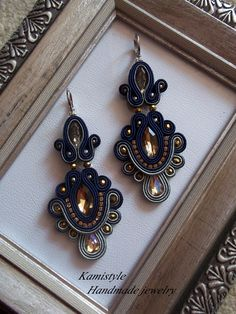 Soutache Earrings, Diy Earrings, Shibori, Tree Of Life Jewelry, Earring Trends, Diy Bow, Jewerly, Diy And Crafts, Handmade Jewelry