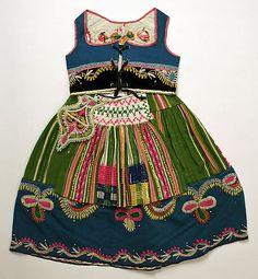 Portuguese Ensemble, first quarter century~Image © The Metropolitan Museum of Art Folk Fashion, Ethnic Fashion, Vintage Fashion, Folklore, Ethno Style, Textiles, Folk Costume, Historical Costume, Little Girl Dresses