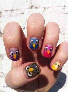 Owl nail-art