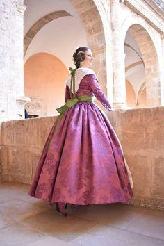 Folk Fashion, Folk Style, Victorian, Plaza, Regional, Dresses, Instagram, Damascus, Female Clothing