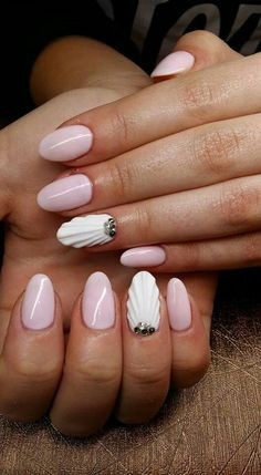 Seashell 3D Nails