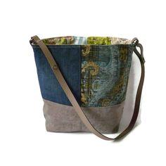 Handige schoudertas in blauw en naturel   Schoudertassen, handtassen   Pippies, schoudertassen, handtassen, shoppers, crossbody tassen en (make up) etuis