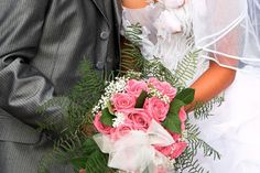 Hochzeitsmesse als Vorbereitung Floral Wreath, Bouquet, Wreaths, Getting Married, Floral Crown, Door Wreaths, Bouquet Of Flowers, Bouquets, Deco Mesh Wreaths