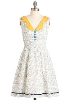 Bobbin to the Beat Dress By Knitted Dove - Modcloth Mod Dress, Dress Skirt, Flower Dresses, Pretty Dresses, Retro Vintage Dresses, Floral Sundress, Sweet Dress, Playing Dress Up, Cotton Dresses