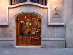 La entrada de nuestra tienda situada en la Calle Girona 124 de Barcelona Us Store, Barcelona, Street, Entryway, Store, Barcelona Spain