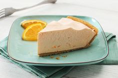 COOL 'N EASY Orange Refrigerator Pie — Want cool and easy and creamy and luscious, too? This easy refrigerator pie fits the bill with its blend of whipped topping and orange gelatin. Jello Recipes, Cheesecake Recipes, Pie Recipes, Yummy Recipes, Casserole Recipes, Chicken Recipes, Healthy Recipes, Dessert Simple, Kraft Recipes