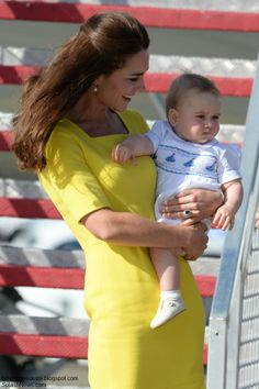 Duchess Kate holding little baby George arriving in Australia, 4/16/2014