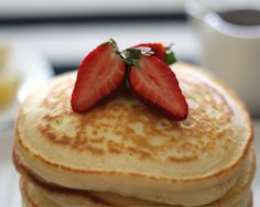 Basic Pancakes Recipe - Substitute self raising flour with whole meal self raising flour and add blueberries :) Crepes, Banana Recipes, Pancake Recipes, Waffles, Pancakes Easy, Fluffy Pancakes, Food Substitutions, Recipe Finder, Cooking With Kids
