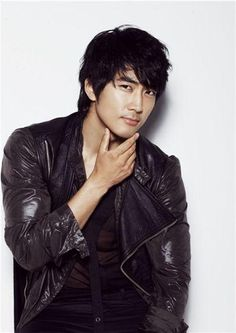 Song Seung Hun *so handsome*