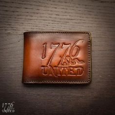 Our custom 1776 United leather wallet is handmade in the USA by Savoy Leather. Leather Gloves, Leather Tooling, Tooled Leather, Leather Projects, Leather Crafts, Leather Pattern, Leather Accessories, Diys, The Unit