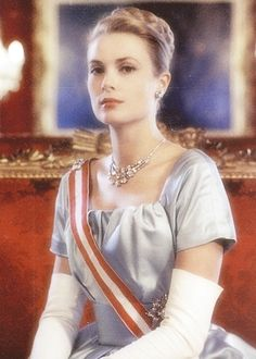 Princess Grace wearing Cartier 3-strand diamond necklace