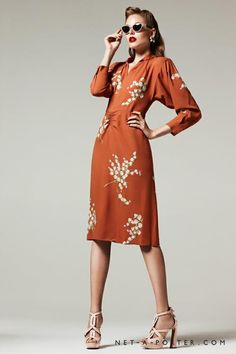 love the 40's- though I try to mix it up a bit... don't want to look like a walking anachronism Orange Vintage Dresses, Vintage Outfits, 1940s Inspired Fashion, 1940s Fashion, Retro Vintage Fashion, Vintage Decor, Vintage Clothing, Vintage Style, Ut Game