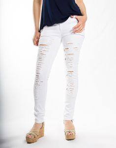 Παντελόνι τζιν εφαρμοστό με τσέπες, σκισίματα, κλείσιμο με φερμουάρ και κουμπί  Σύνθεση: 97% cotton 3% lyc  Ελληνικής κατασκευής White Jeans, Capri Pants, Fashion, Capri Trousers, Moda, Fashion Styles, Fashion Illustrations