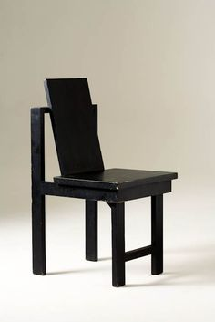 // Gregori Warchavchik; Lacquered Wood Chair, 1928.