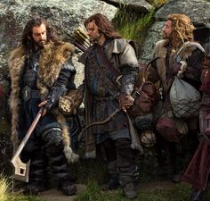 This picture really shows some of detail work on the costumes for the movie. Look at the Thorin's pants at his knee. And especially Fili's costume.