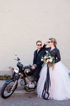 💝Motorcycle Wedding Gifts for ATV Bike Fans? 💝Motorcycle Wedding Gifts for ATV Bike Fans? Rocker Wedding, Boho Wedding, Dream Wedding, Wedding Gifts, Wedding Vintage, Wedding Hair, Summer Wedding, Wedding Poses, Wedding Dresses