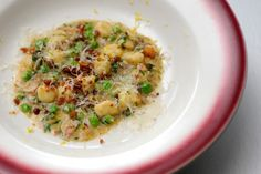 Top Chef Nicholas Elmi's ricotta gnudi with pancetta, peas, lemon and parmesan. No recipe on the site, so I'll have to wing it. Chef Recipes, Wine Recipes, Pasta Recipes, Cooking Recipes, Gnudi Recipe, Food For Thought, Food Hacks, Kids Meals, Food Inspiration