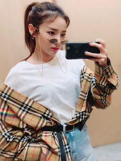 2ne1 Minzy, 2ne1 Dara, Kpop Girl Groups, Korean Girl Groups, Kpop Girls, The Band, Dara Kpop, Winner Ikon, Chic Outfits