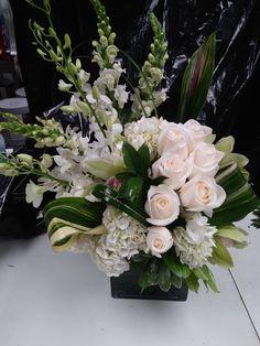 Hotel Flower Arrangements, Ikebana Arrangements, Deco Floral, Arte Floral, Funeral Flowers, Wedding Flowers, White Flowers, Beautiful Flowers, Corporate Flowers
