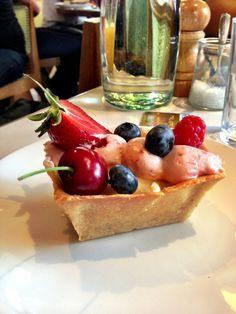 Amazing Australian spot in Notting Hill, one of the best spots for breakfast in the city.  Granger & Co - 175 Westbourne Grove - http://4sq.com/slpztI