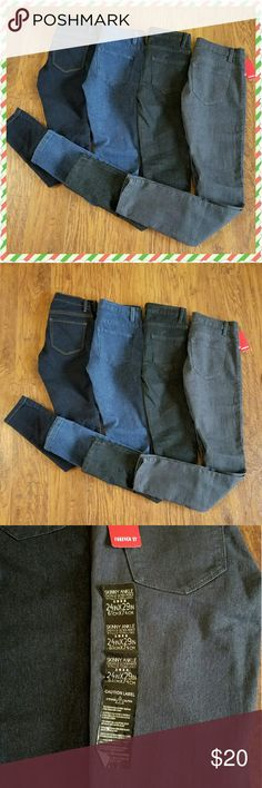 (4) Forever 21 Skinny Jean Sz 24 x 29 Bundle! All brand new, never worn!  Great Cmas Present!  1 pair has all the tags on them, the other 3 my daughter removed before even trying them on! Didn't fit!  All Skinny Jeans Size 24 X 29 1 Soft Black 1 Black 1 Blue Denim 1 Dark Blue Denim Price is for all 4 prs Bundle and Save!  Please chk out my other listings!  Thank you! Forever 21 Jeans Skinny