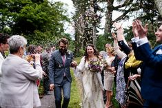 Planning your intimate socially distant wedding. Your ultimate guide to planning a wedding in the time of Covid 19, including real wedding inspiration.
