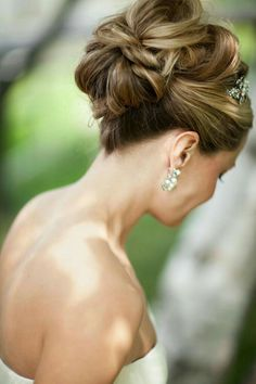 Hair cut for wedding / Intersecting knotted bridal updo Chanel lipstick Giveaway Fancy Hairstyles, Bride Hairstyles, Hairstyle Ideas, Hairstyle Photos, Celebrity Hairstyles, Hairstyles Haircuts, Wedding Hair And Makeup, Hair Makeup, Wedding Beauty