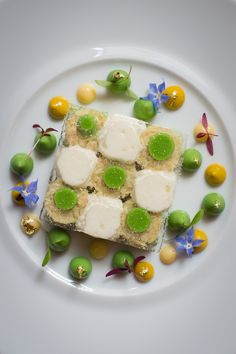 Tourteau de Loctudy. Loctudy crab with Yuzu mousse, sweet mustard and avocado. Discover Michelin star cuisine at Le Restaurant. #Paris #taop #chef #michelinstar #avocado #beautiful #theartpfplating