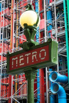 Centre Georges Pompidou, Metro Paris