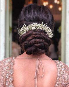 Stunning Bridal Bun Hairstyles For Reception - Fashion Bridal Hairstyle Indian Wedding, Bridal Hair Buns, Bridal Hairdo, Hairdo Wedding, Wedding Hairstyles For Long Hair, Elegant Hairstyles, Indian Hairstyles, Bride Hairstyles, Pretty Hairstyles